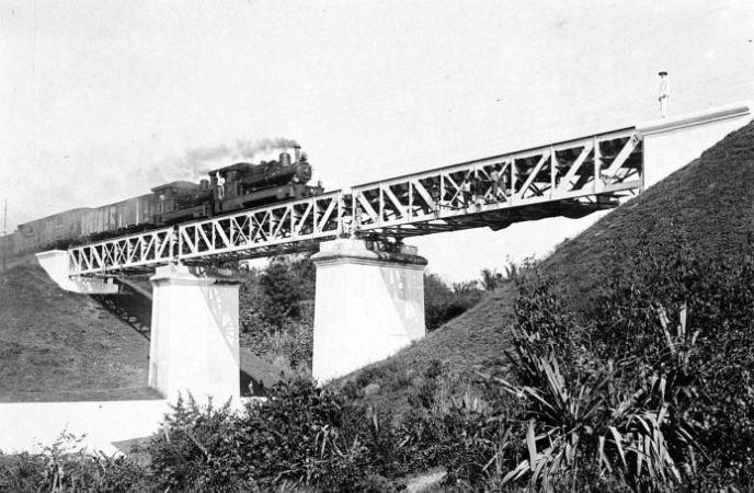 foto kereta api kuno jogja